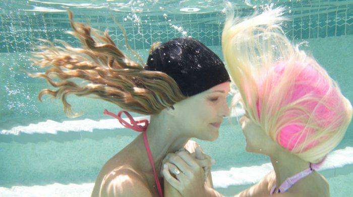 ¿Estropea el agua de la piscina nuestro pelo?